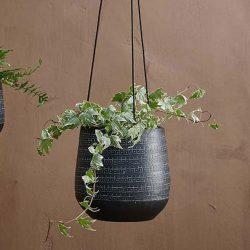 Mahika Hanging Planter – Black – Large